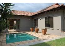 Cluster in for sale in North Riding, Randburg