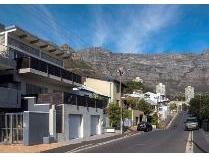House in for sale in Vredehoek, Cape Town