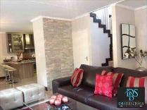 Townhouse in to rent in Sunninghill, Sandton