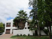 Cluster in to rent in Lone Hill, Sandton