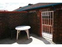 Duplex in to rent in Alberton, Alberton