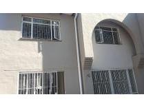 Duplex in to rent in Faerie Glen, Pretoria