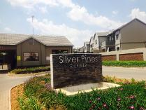 Flat-Apartment in to rent in Crystal Park, Benoni