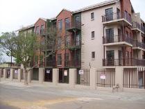 Flat-Apartment in for sale in Emalahleni Nu, Emalahleni Nu