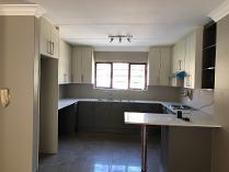 Duplex in to rent in Bedfordview, Germiston