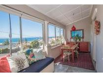 Flat-Apartment in for sale in Kalk Bay, Cape Town