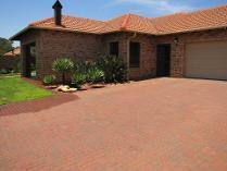 House in to rent in Equestria, Pretoria