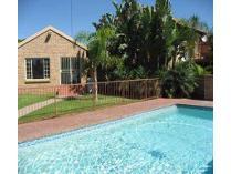 Townhouse in for sale in Faerie Glen, Pretoria