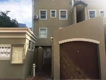 Duplex in to rent in Gardens, Cape Town