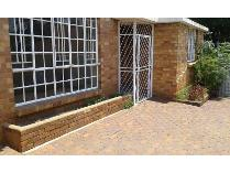 Flat-Apartment in to rent in Kensington, Johannesburg