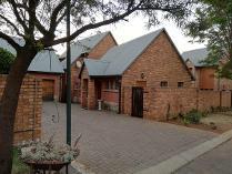 Cluster in to rent in Glen Marais Ext, Kempton Park
