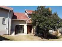 House in to rent in Mondeor, Johannesburg