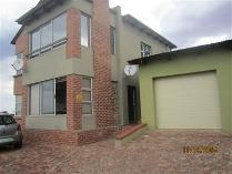 Townhouse in for sale in Dassierand, Potchefstroom