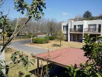 Flat-Apartment in for sale in Bloubosrand, Randburg