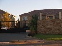 Flat-Apartment in to rent in Randfontein, Randfontein