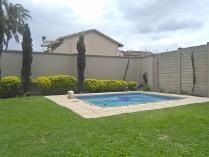 Townhouse in for sale in Malvern, Queensburgh