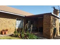 Townhouse in to rent in Cullinan, Cullinan