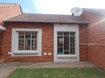 Townhouse in to rent in Monavoni, Centurion