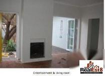 House in to rent in Parkhurst, Randburg