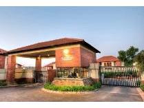 Flat-Apartment in to rent in Pretoriuspark, Pretoria