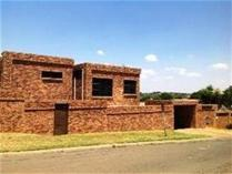 Flat-Apartment in for sale in Bassonia, Johannesburg