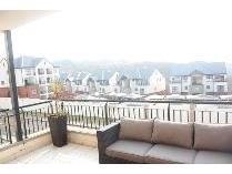 Flat-Apartment in to rent in Oakdene, Johannesburg