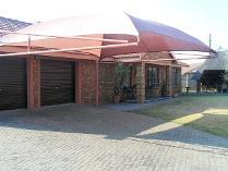 Townhouse in for sale in Riversdale, Meyerton
