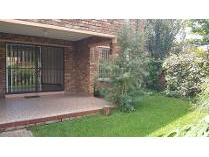 Flat-Apartment in to rent in Northcliff, Randburg