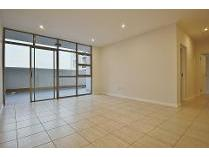 Flat-Apartment in to rent in Bedfordview, Germiston