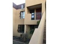 Flat-Apartment in to rent in Ferndale, Brackenfell