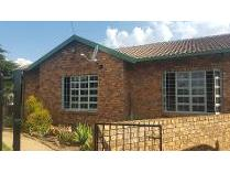 House in to rent in Rayton, Rayton