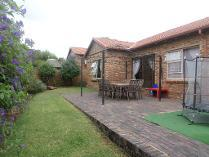 Cluster in to rent in Kyalami Hills, Midrand