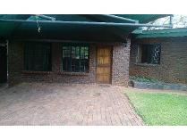 Contryhouse in to rent in Schoemansville, Hartebeespoort
