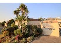 Townhouse in to rent in Marais Steyn Park, Edenvale