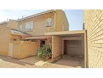 Flat-Apartment in for sale in Fairland, Randburg