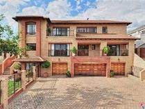 Cluster in for sale in Ruimsig Country Estate, Krugersdorp