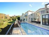 House in to rent in Constantia, Cape Town