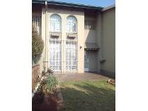 Duplex in to rent in Eastleigh, Edenvale