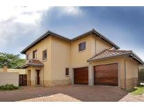 Cluster in for sale in Midrand, Midrand