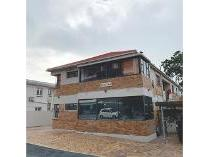 Flat-Apartment in for sale in Vredehoek, Cape Town
