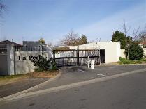 Flat-Apartment in for sale in Paarl, Paarl
