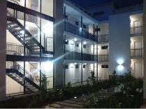 Flat-Apartment in to rent in Fairland, Randburg