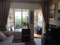 Flat-Apartment in to rent in Brentwood Park, Benoni