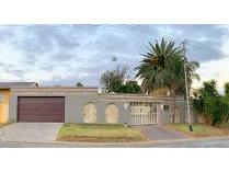 House in for sale in Glenanda, Johannesburg