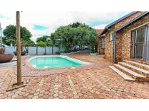 House in for sale in Rant-en-dal, Krugersdorp