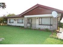 House in for sale in Umhlatuzana, Chatsworth