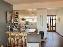 Flat-Apartment in for sale in Gardens, Cape Town