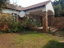 House in to rent in Moreleta Park, Pretoria
