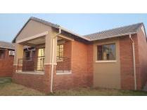 Townhouse in to rent in Mooikloof Ridge, Pretoria