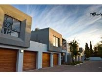Cluster in for sale in Stellenbosch Nu, Stellenbosch